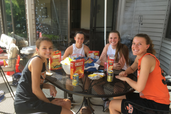 lady aces outdoor picnic
